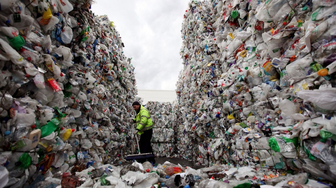 skynews-plastic-bottles-recycling_4426434